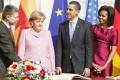 Merkelová a jej manžel volali s Obamovcami,preštudujú si prejav Trumpa