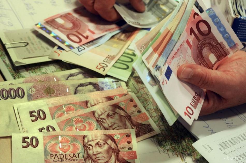 Financie: Firmy po zavedení daňových licencií priznali zisky
