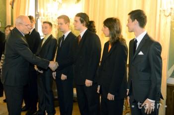 Ivan Gašparovič prijal víťazných gymnazistov z Púchova