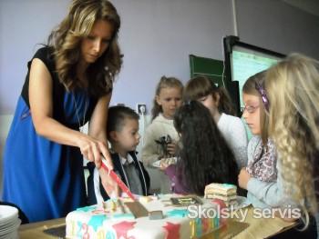 Na prvákov v ZŠ s MŠ v Liptovskej Osade čakala aj veľká torta