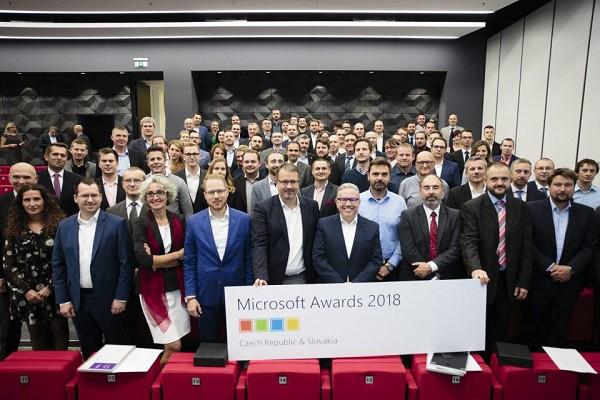 PARTNERS GROUP SK získala ocenenie Microsoft Awards 2018 f4082ef81e8