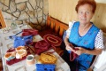 Seniori v obci Banské tkajú koberce či vyrábajú vonné vrecúška