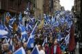Tisícky Škótov sa v centre Glasgowa domáhali referenda o nezávislosti