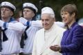 Pápež František na záver návštevy v Pobaltí pricestoval do Estónska
