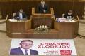 Transparenty, provokácie aj obštrukcia môžu poslanca stáť tisíce eur