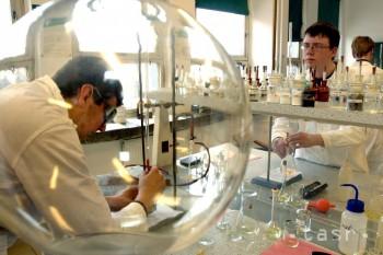 V Bratislave sa na olympiáde stretnú mladí chemici