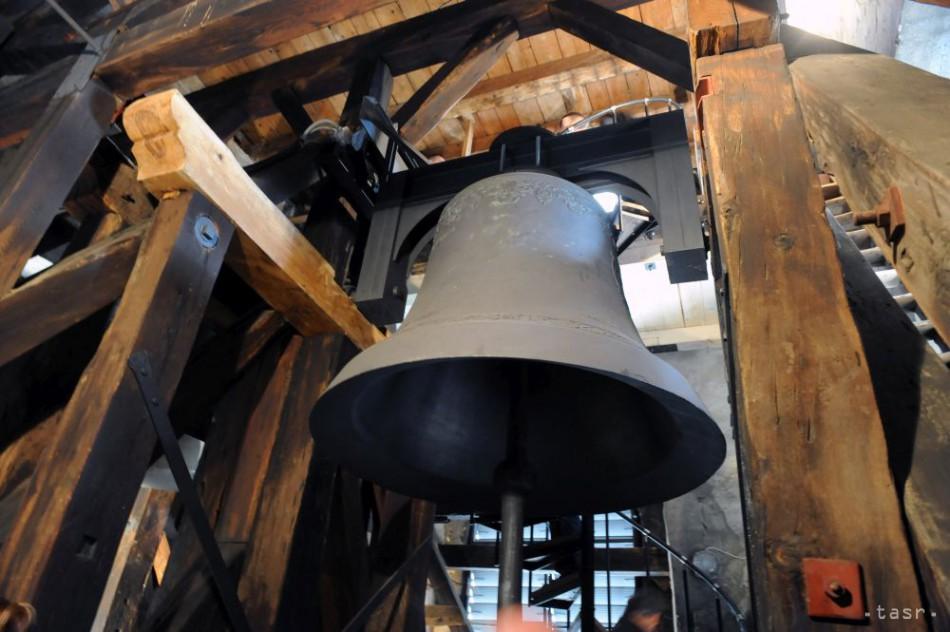 Svetom zneli stovky zvonov na pamiatku obetí bojov v sýrskom Aleppe