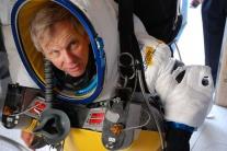Viceprezident Google pri zoskoku z výšky 41 km prekonal rýchlosť zvuku