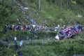 Pád autobusu z mosta si v Indii vyžiadal namenej 17 mŕtvych
