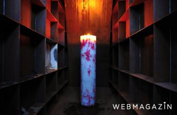 Vosková socha Tichý stĺp svieti v Majeri na pamiatku obetí vojny