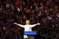 Clintonová predstavila svojho kandidáta na viceprezidenta Tima Kainea