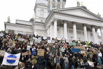 Študenti štrajkom apelujú na politikov, aby nekradli budúcnosť klímy