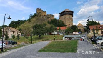 Fiľakovská samospráva ukončila revitalizáciu hradu a podhradia