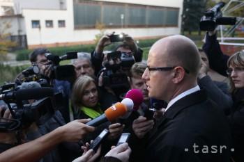 Český premiér je k novým sankciám rezervovaný, šéf diplomacie ich chce