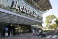 Rača odmieta zámer výstavby novej dráhy Štefánikovho letiska