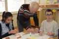Tvorivé dielne mentálne postihnutých detí podporil Milan Struhárik