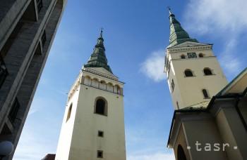 Rytier Burian zahynul po páde z veže, ktorú postavil na mieste kostola