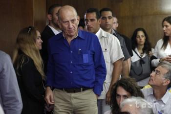 Izraelský súd nariadil expremiérovi mesiac verejnoprospešných prác