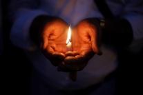 Dvojročný chlapec zomrel v rozpálenom aute