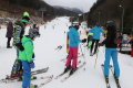 Na svahu sa stále dá lyžovať. Tieto rezorty sú otvorené