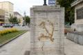 Súd odsúdil Petra K. za poškodenie pamätníka na 4 mesiace podmienečne