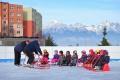 Ľadové vysvedčenia z kurzu korčuľovania odovzdali prvým škôlkarom