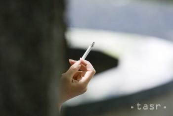 Počet každodenných fajčiarov vo svete sa priblížil k miliarde