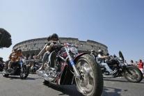 Prehliadka motocyklov Harley - Davidson