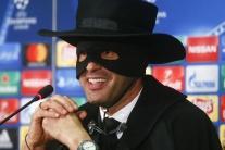 Aj Zorro chodí na tlačovky