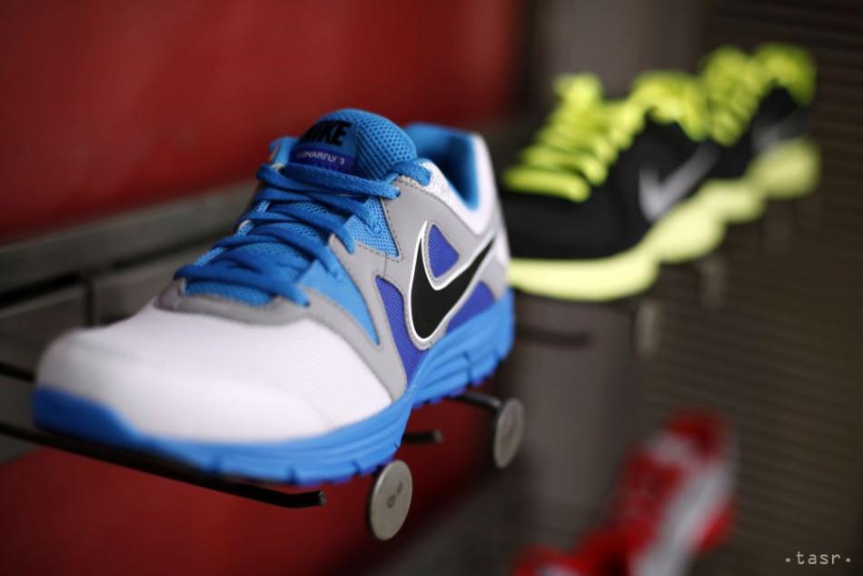 b5986dd92 Zisk Nike vzrástol o pätinu