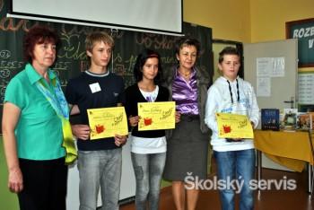 Školáci čítajú Poškolákov Gabriely Futovej