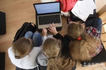 Banskobystrický kraj zbiera počítače pre študentov v núdzi