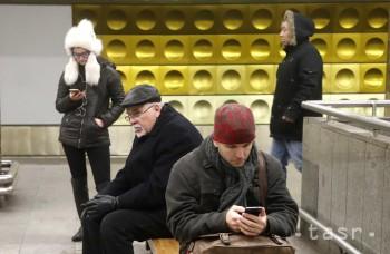 Na mobil sa pozrieme priemerne 50-krát za deň