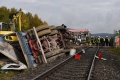 Pri zrážke vlaku s nákladným autom v južnom Nemecku zomrel človek