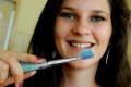 RADÍME: Parodontitídu ľudia podceňujú, môže ich to stáť zuby