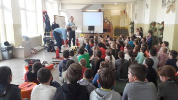 Žiaci ZŠ Maňa sa oboznámili s prácou hasičov