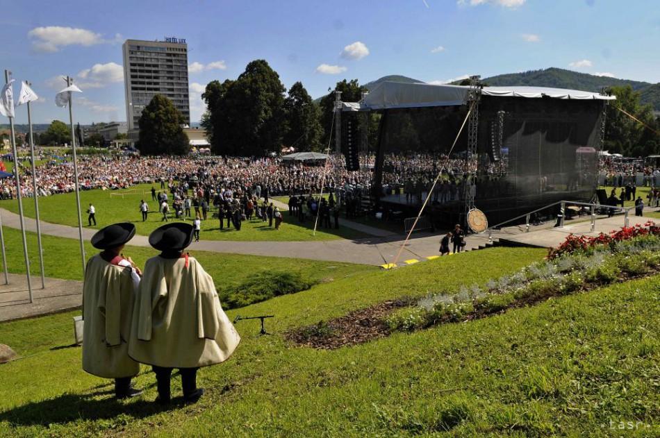 Centrálne oslavy 70. výročia Slovenského národného povstania v Banskej Bystrici v piatok 29. augusta 2014. Na snímke pohľad na areál osláv.