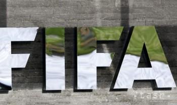 Afričania sa kandidátovi na post šéfa FIFA Salmanovi otáčajú chrbtom