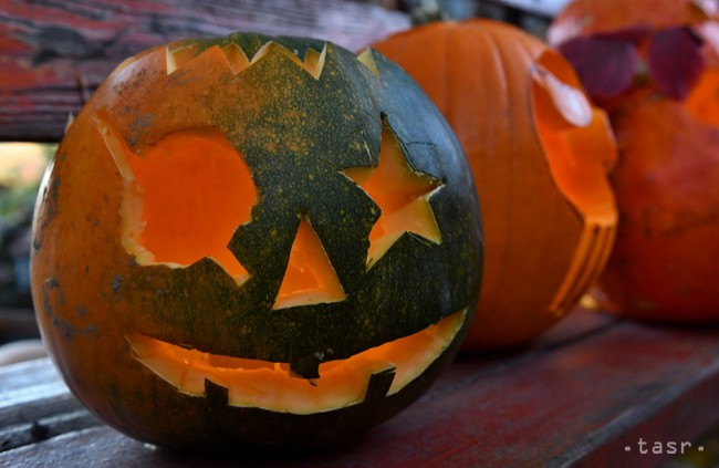 História Halloweenu siaha až ku Keltom. Repu nahradili tekvice.