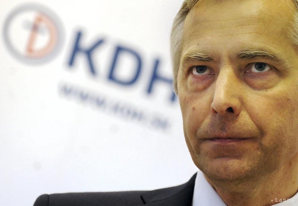 KDH: Ak sa Smer bojí odhalenia korupcie, nezvolí za šéfa NKÚ už nikoho