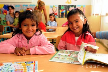 MŠVVaŠ: Na Slovensku sa vyučuje rómsky jazyk na siedmich školách