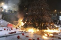 Horiaci vianočný strom spôsobil škodu za 250.000 eur, dom úplne zhorel
