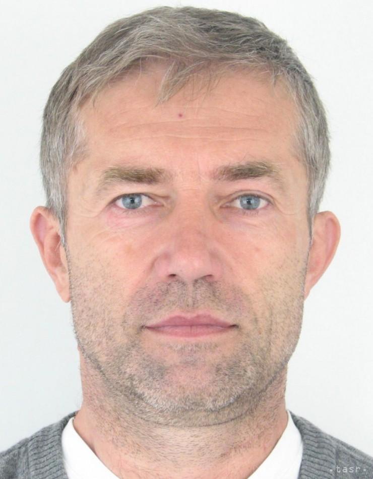 Podľa polície Kosík nebol prepustený z väzenia v Mali. On to popiera