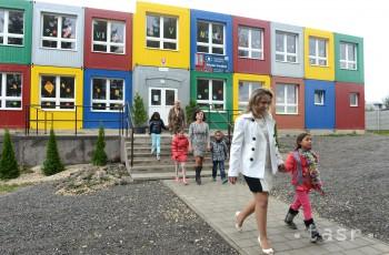 V obci Kecerovce otvorili novú modulovú školu pre 200 detí