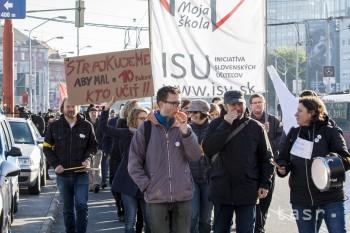 Nespokojní učitelia dnešným dňom ukončili stupňovaný štrajk