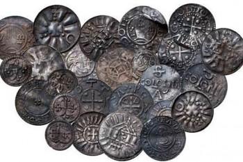 Študent detektorom kovov objavil vzácne mince z vikinského obdobia