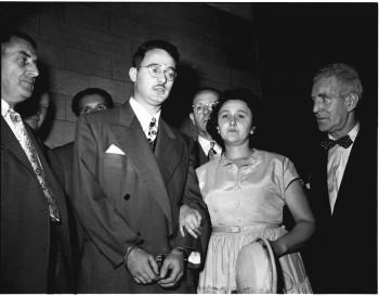 Manželov Rosenbergovcov popravili pred 65 rokmi za špionážnu činnosť