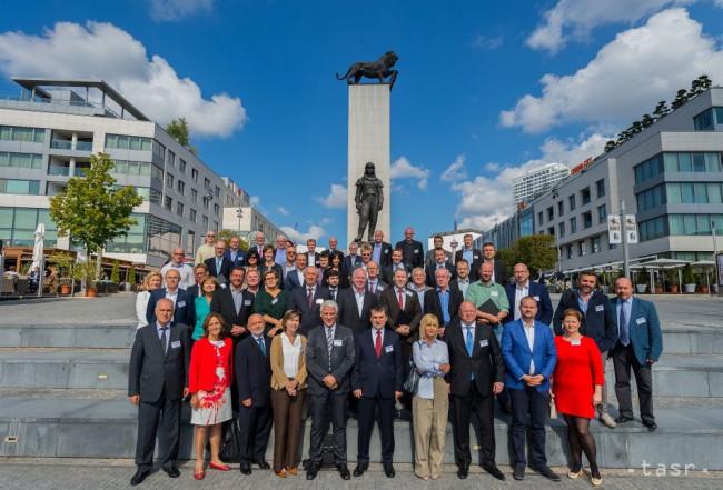 Mozgojebovia sa stretli v Bratislave