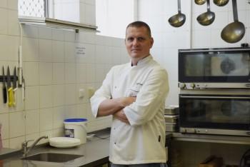 Šéfkuchár Vojto Artz vidí budúcnosť mladých v gastronómii