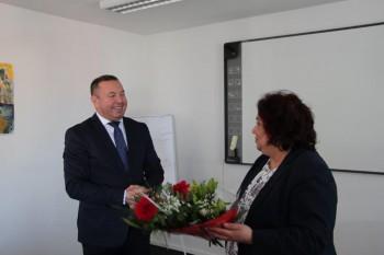 Riaditeľ ŠPÚ ocenil učiteľku Evu Gašparovú za prácu pre rómsky jazyk